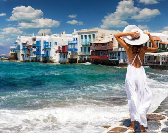 Κορωνοϊός: Έρχεται πακέτο στήριξης για εστίαση – τουρισμό