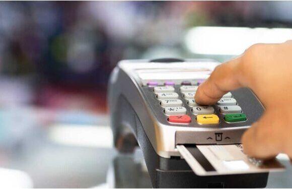Σκέψεις για «πάγωμα» στο πρόστιμο 22% για τις ηλεκτρονικές δαπάνες