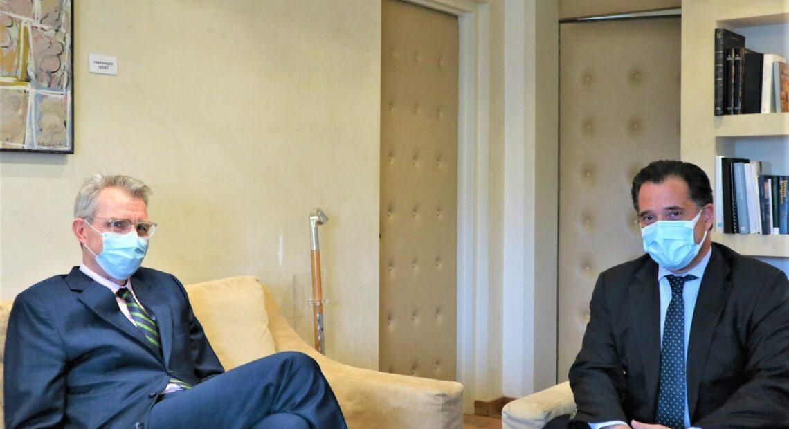 Συνάντηση Γεωργιάδη – Πάιατ: Στο επίκεντρο οι αμερικανικές επενδύσεις στην Ελλάδα