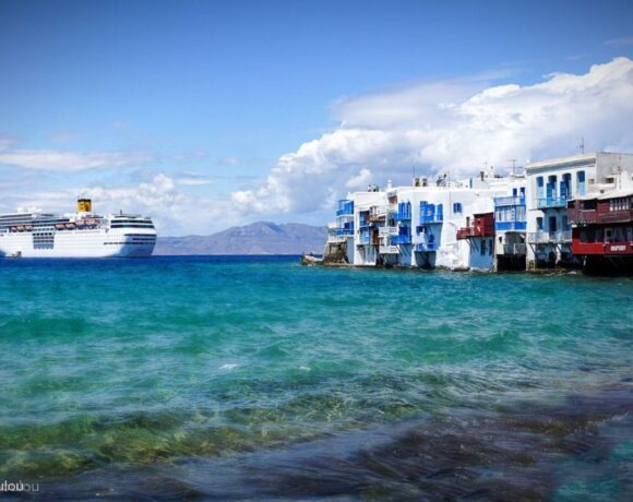 Deep Waters for 2020 Greece Cruise Travel Due to Covid-19