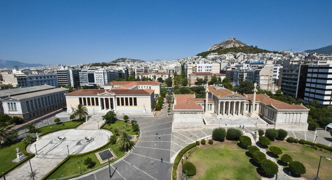 Increasing Covid-19 Risk in Central Athens Concerns Experts