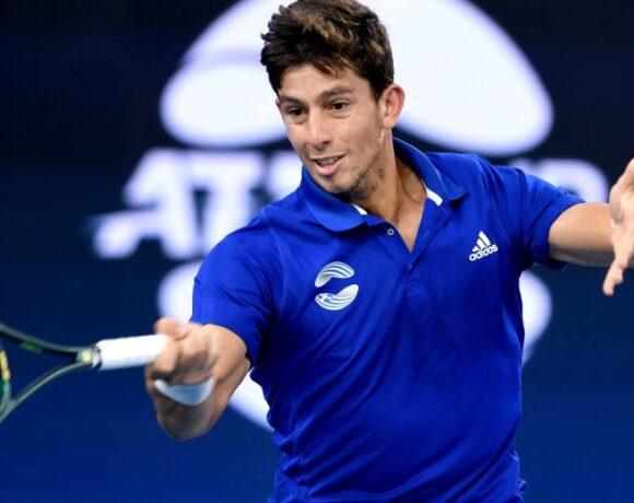 ATP Cup: Αρχή με ήττα για τον Περβολαράκη