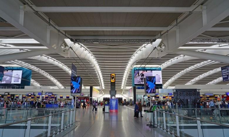 Βρετανία: Οι αεροπορικές εταιρείες ζητούν να μπουν τα ταξίδια στον οδικό χάρτη εξόδου από το lockdown