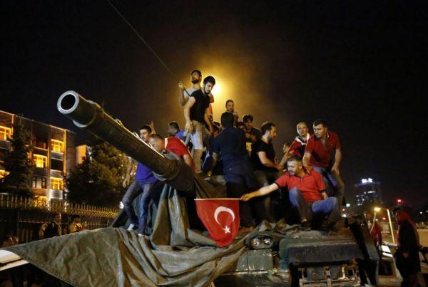 Γιατί η τουρκική κυβέρνηση ανακινεί θέμα αμερικανικής ανάμειξης στο πραξικόπημα του 2016;