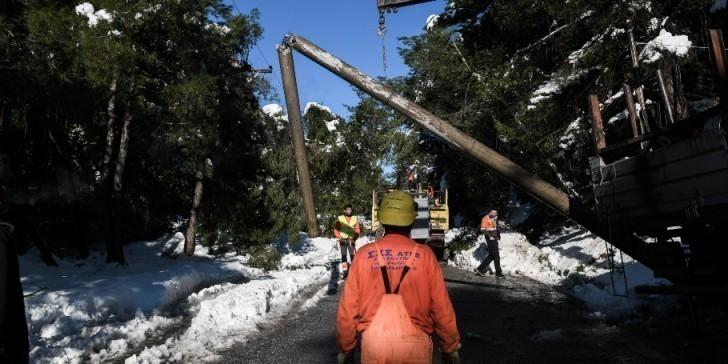 ΔΕΔΔΗΕ: Πώς θα αναφέρετε τη βλάβη ηλεκτροδότησης – Συνεχίζονται οι εργασίες αποκατάστασης