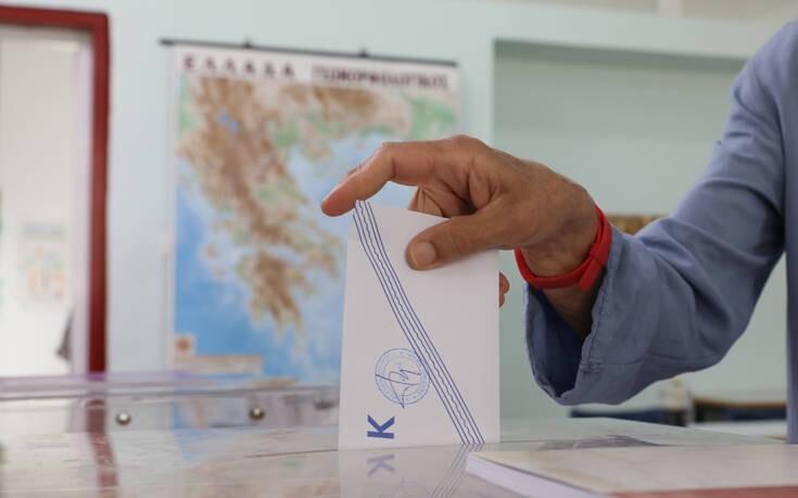 Δημοσκόπηση Interview: Σταθερά μπροστά η ΝΔ με 17,1 μονάδες από τον ΣΥΡΙΖΑ
