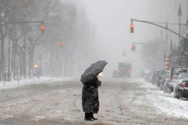 ΗΠΑ : Συναγερμός από σφοδρή χιονοθύελλα – Χιλιάδες πτήσεις ακυρώθηκαν