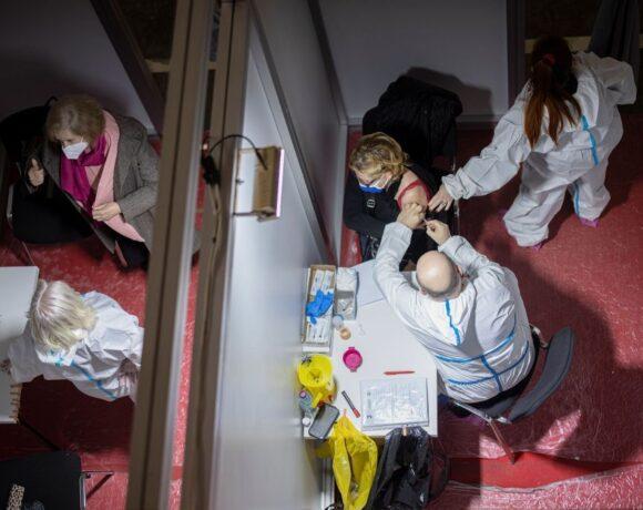Κοροναϊός : Ξεπέρασαν τα 100 εκατομμύρια οι εμβολιασμοί – Ποιες χώρες προηγούνται