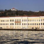 Ο πόλεμος Ερντογάν – Μακρόν επεκτείνεται και στο… πανεπιστήμιο