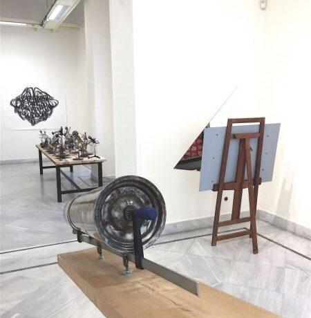«Οπτική και υλοποιημένη πρόσληψη»: Έργα 31 σύγχρονων εικαστικών εκτέθηκαν στην Δημοτική Πινακοθήκη Πειραιά