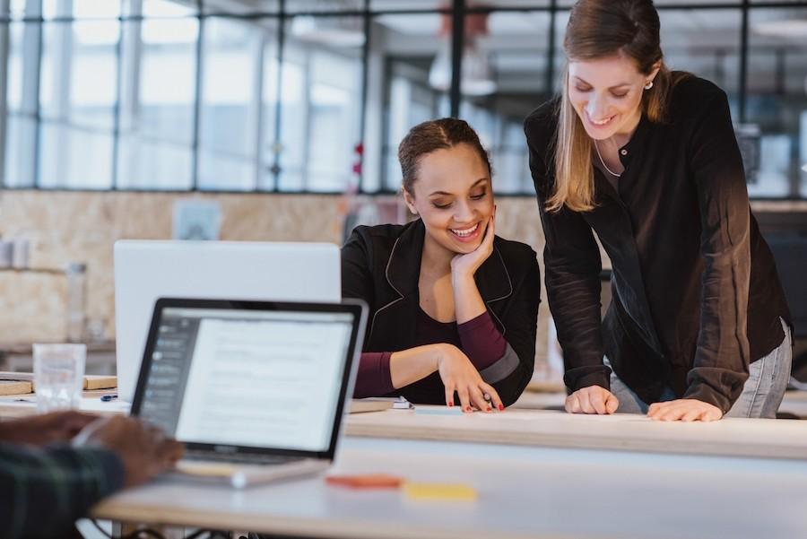 Ποιες είναι οι καλύτερες πόλεις για γυναίκες που εργάζονται στον τεχνολογικό τομέα