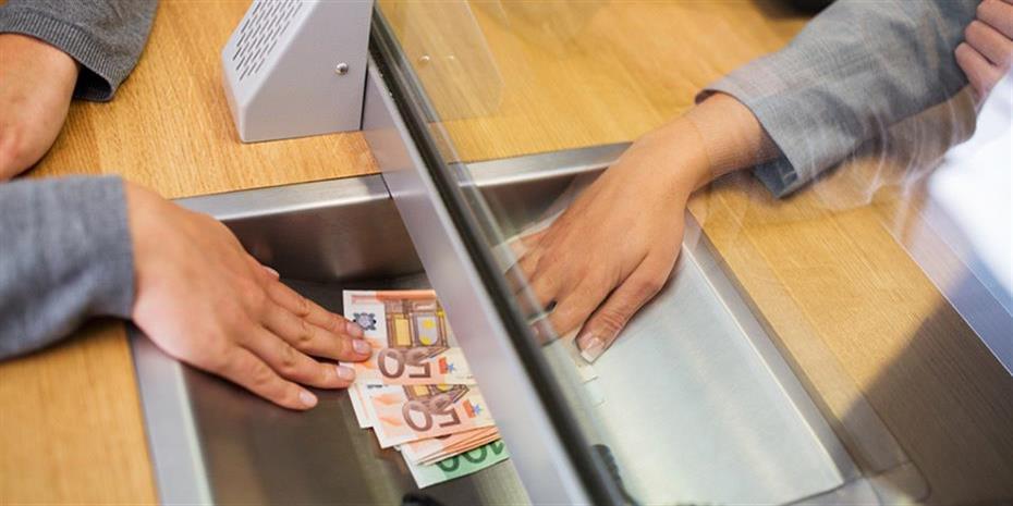 Στο ταμείο: Όλες οι υποχρεώσεις που έχουν οι φορολογούμενοι μέχρι τέλος του μήνα