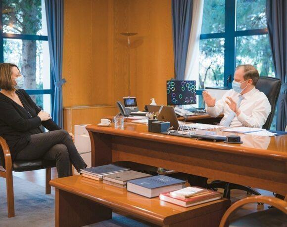 Συνέντευξη υπουργού Υποδομών και Μεταφορών Κώστα Καραμανλή: «H oικονομία θα αντέξει, η κοινωνία θα βγει όρθια»