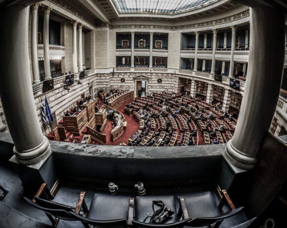 Ψηφίστηκε το νομοσχέδιο του ΥΠΟΙΚ για απογραφή και ρυθμίσεις για την αντιμετώπιση των επιπτώσεων της πανδημίας