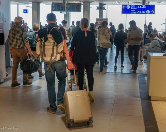 Greece will Welcome Travelers with Negative Covid-19 Test or Vaccination Certificate