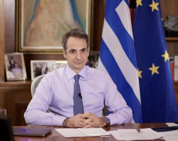 Greek PM Explains Concept of Covid-19 Vaccine Certificate for Travel