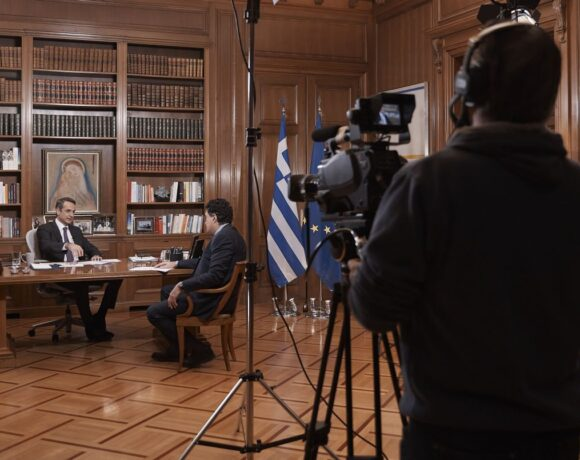 Greek PM Forecasts Easter Opening for Tourism