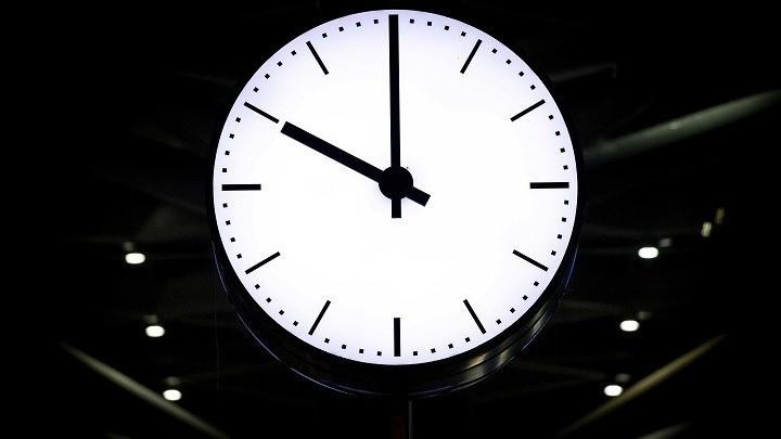 Αλλαγή ώρας: Πότε γυρίζουμε μπροστά τους δείκτες των ρολογιών