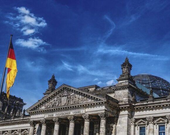 Γερμανία: Αυστηρότερος κανονισμός για τη διαφθορά βουλευτών μετά το σκάνδαλο με τις μάσκες