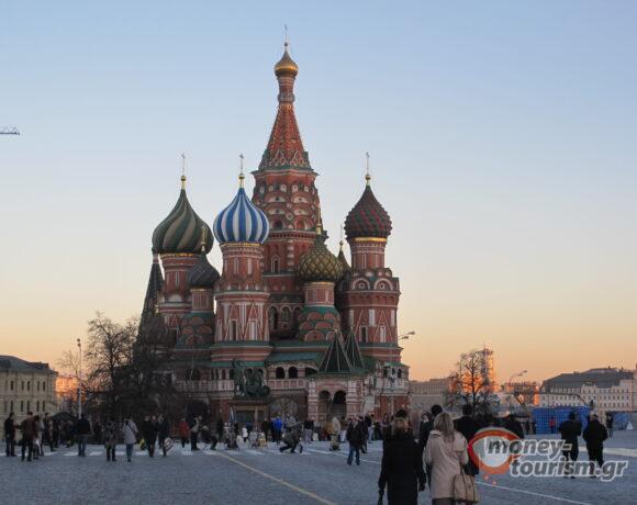 Η Ελλάδα αποδέχεται το ρωσικό εμβόλιο   Συνέντευξη Θεοχάρη στο RIA Novosti