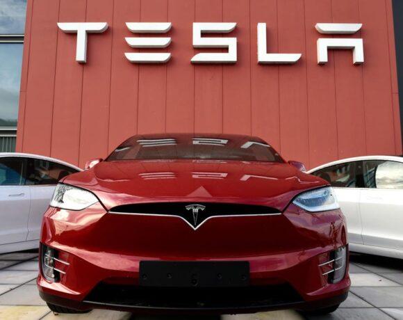 Ο Έλον Μασκ εκτινάσσει τον Nasdaq – Άνοδος 20% στη μετοχή της Tesla