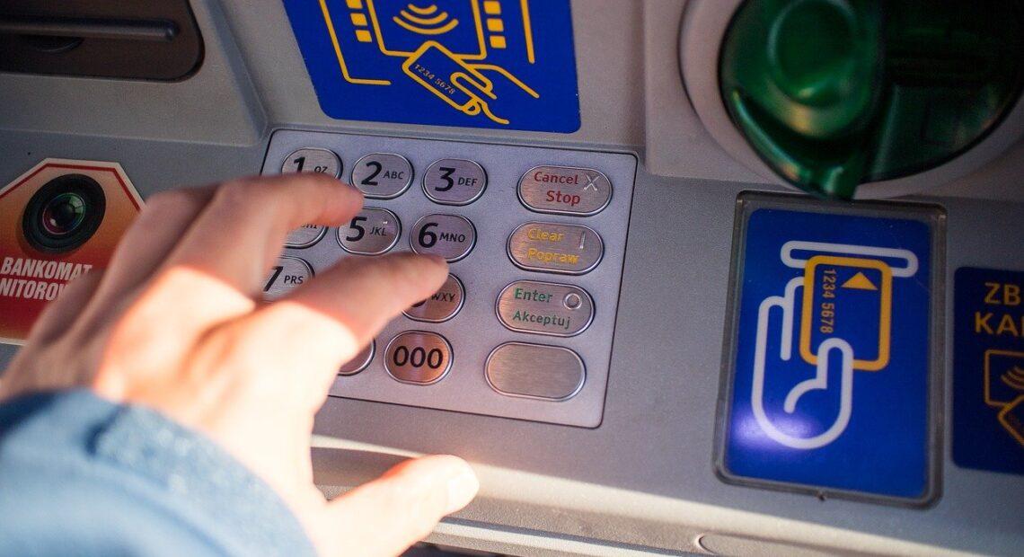 ΟΠΕΚΑ: Μπαράζ πληρωμών στις 31 Μαρτίου – Ποιοι δικαιούχοι πάνε ταμείο