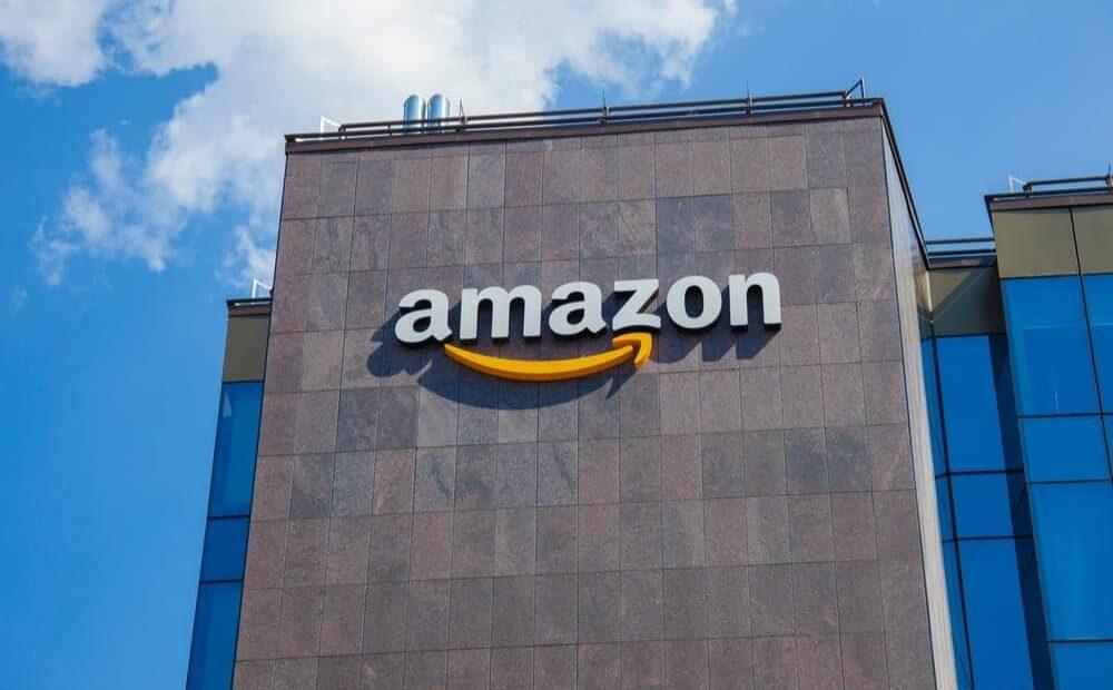 Ψεύτικοι social media λογαριασμοί προς υπεράσπιση… Amazon