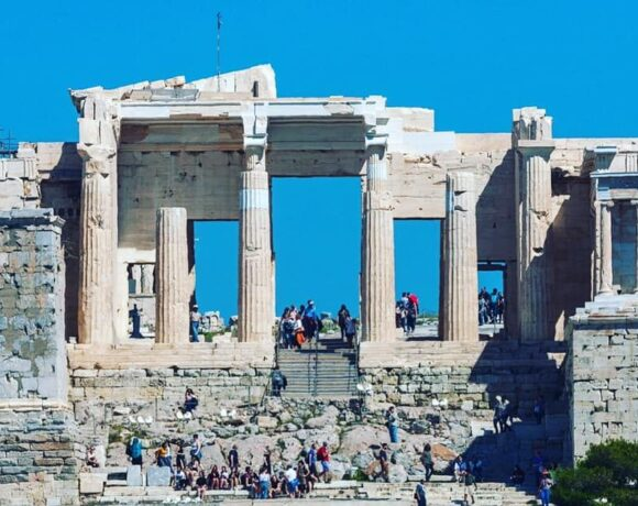 FinMin Expects €8bn in Greek Tourism Revenue This Year