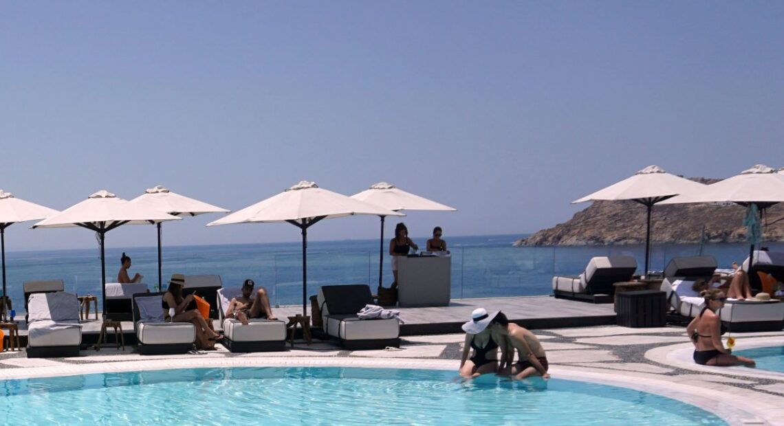 Greek Hoteliers Discuss Summer Hospitality Operations