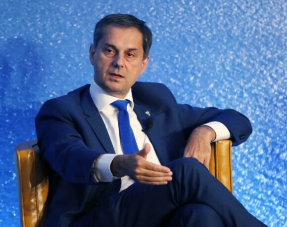 Greek Tourism Minister Visits Romania Ahead of Summer Re-opening