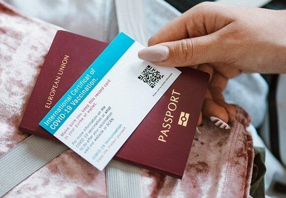 Survey: Half of Brits in Favor of Covid-19 Vaccination Passport