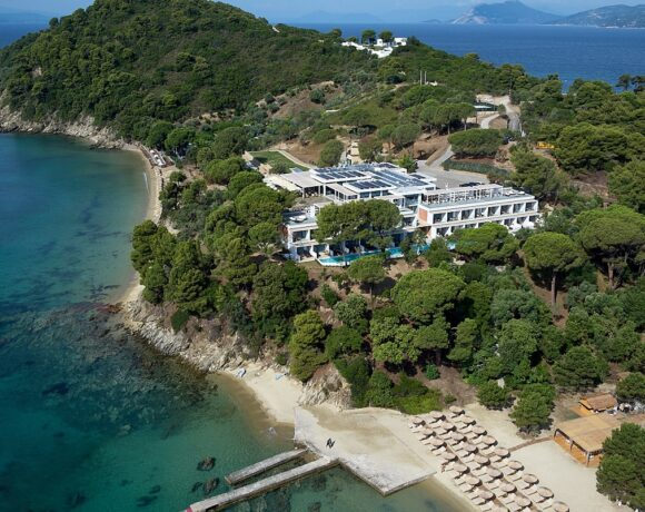 The Telegraph Places Elivi Skiathos Hotel Among Best for British Travelers
