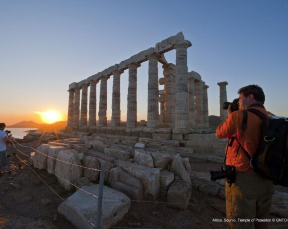 Tourism Minister Explains How Greece will Open to Tourists