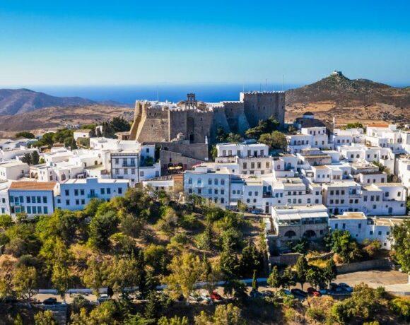 Travel & Leisure: Σε ποιό νησί βρίσκεται η καλύτερη μυστική ελληνική παραλία της Ευρώπης!