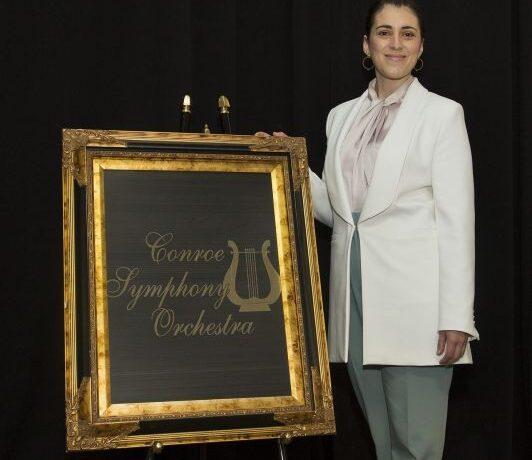 Άννα Μαρία Γκούνη: Ελληνίδα η πρώτη γυναίκα μαέστρος στη Συμφωνική Ορχήστρα του Κονρό στο Τέξας