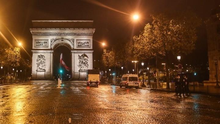 Γαλλία: Κανένας υπουργός στα παράνομα δείπνα, διαβεβαιώνει η κυβέρνηση Μακρόν