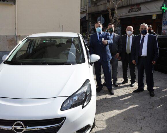 ΕΕΑ: Παρέδωσε δύο μισθωμένα οχήματα στη Γενική Γραμματεία Εμπορίου για την πάταξη του παραεμπορίου