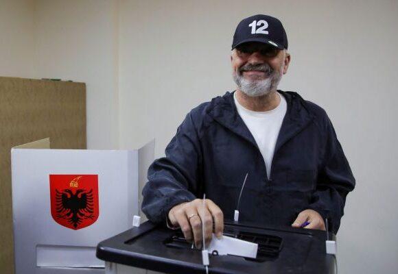 Εκλογές στην Αλβανία: Τι σημαίνει η επανεκλογή του Ράμα και πώς επηρεάζεται η ενταξιακή πολιτική της χώρας