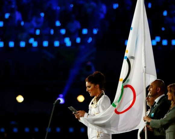 Η ΔΟΕ αλλάζει τον Ολυμπιακό όρκο των αθλητών για να χρυσώσει το χάπι του κανόνα 50
