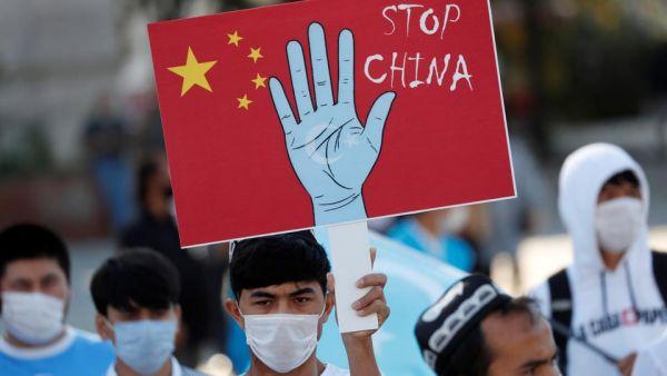 Η Κίνα «πουλάει» τον Ερντογάν με τα εμβόλια και αυτός θυμάται τους… Ουιγούρους