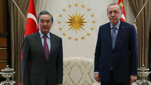 Η Τουρκία επιμένει στην αναβάθμιση των σχέσεων με την Κίνα παρά το αγκάθι των Ουιγούρων