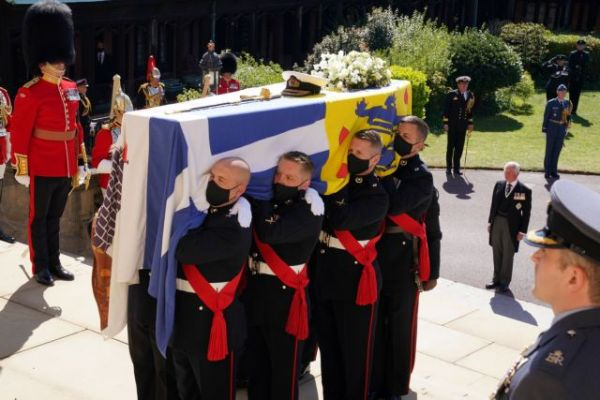 Κηδεία Φιλίππου : Η Βρετανία αποχαιρέτησε τον πρίγκιπα – Τα δάκρυα και η μοναξιά της Ελισάβετ