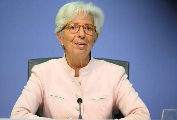 Λαγκάρντ: Να μην αποσυρθούν πρόωρα τα «δεκανίκια» που στηρίζουν την οικονομία