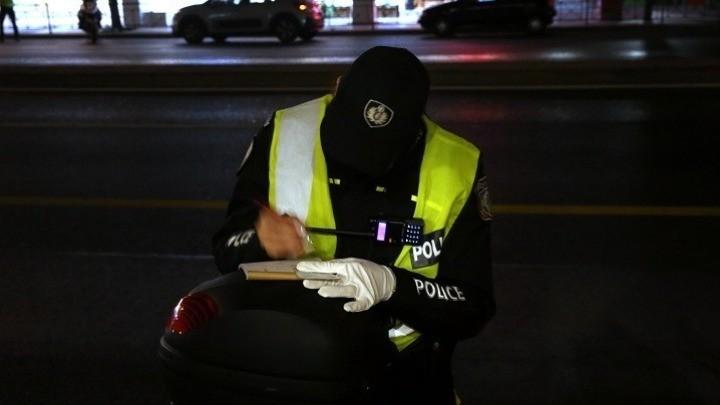 Περιοριστικά μέτρα: «Τσουχτερά» πρόστιμα και 3 συλλήψεις την Παρασκευή