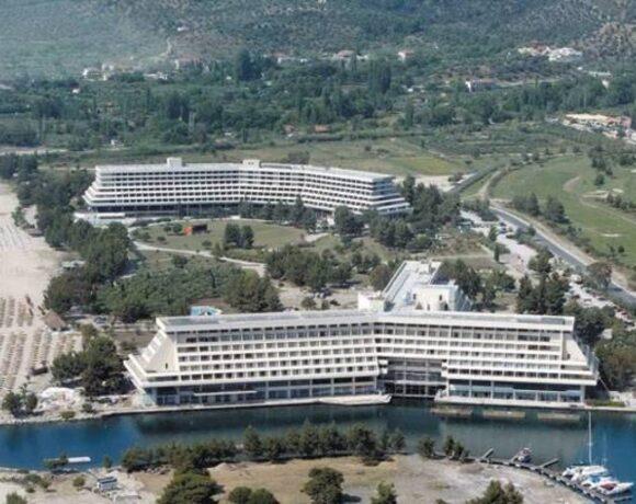 Πόρτο Καρράς: Το πόρισμα του συμβούλου για την πώληση στον Σαββίδη – Tο επόμενο βήμα του ομίλου Στέγγου