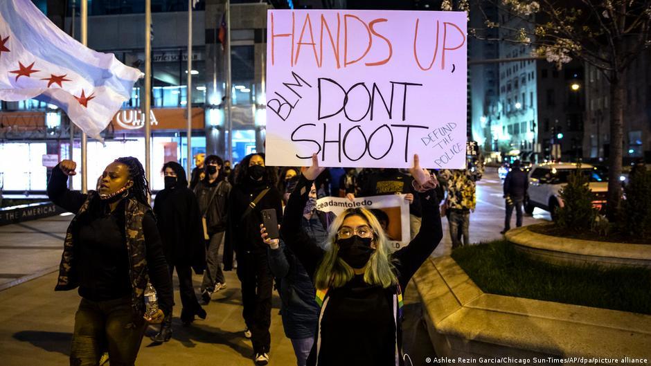 Σοκαριστικά στοιχεία για τις ΗΠΑ : Σχεδόν 1000 θάνατοι από αστυνομική βία κάθε χρόνο