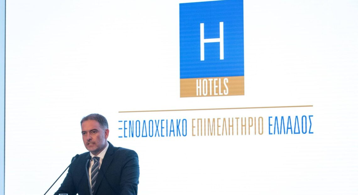 Covid-19 an Obstacle for 2021 Greek Tourism Forecast, Says Hotels Chief