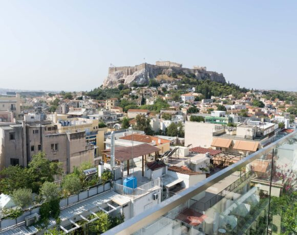 Greece will Open for Tourism with 'Five Lines of Defence' Against Covid-19