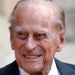 Oι Bρετανοί αποχαιρετούν τον Πρίγκιπα Φίλιππο