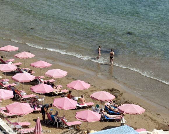 Survey: Only 21% of Austrians are Planning Summer Holidays Abroad